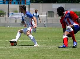 Carlos Cantarero perfila el partido amistoso de los suyos. EFE