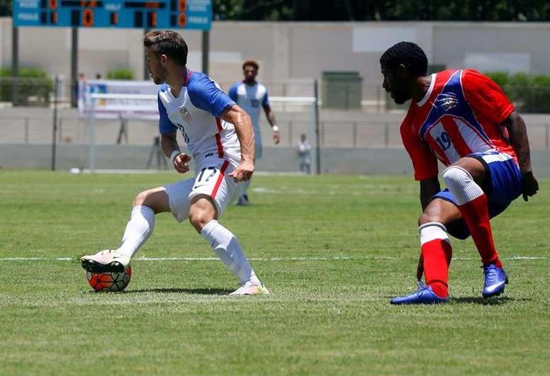 Pin Carlos Cantarero perfila el partido amistoso de los suyos. EFE df88c0c582fbe