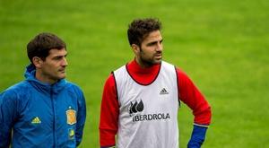 Casillas e Fàbregas mantêm uma relação de amizade. EFE
