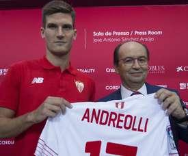 Andreolli jugó en el Sevilla en la 2015-16, pero en la presente temporada está en el Inter. EFE