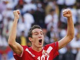 El jugador serbio cambia el Dinamo de Kiev por el Sporting de Lisboa. EFE/Archivo