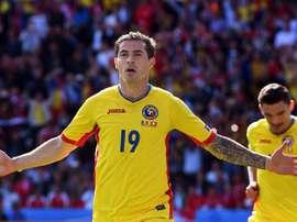El futbolista rumano firma hasta 2019. AFP