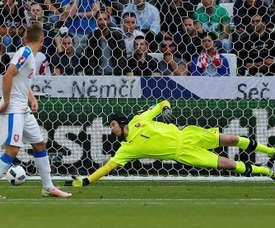 Cech se plantea dejar la Selección. AFP