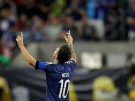 Empezó flojo, por una lesión, pero Messi está demostrando por qué es el mejor. EFE