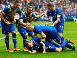 La Selección Islandesa se clasificó como segunda de grupo gracias a su triunfo ante Austria. EFE