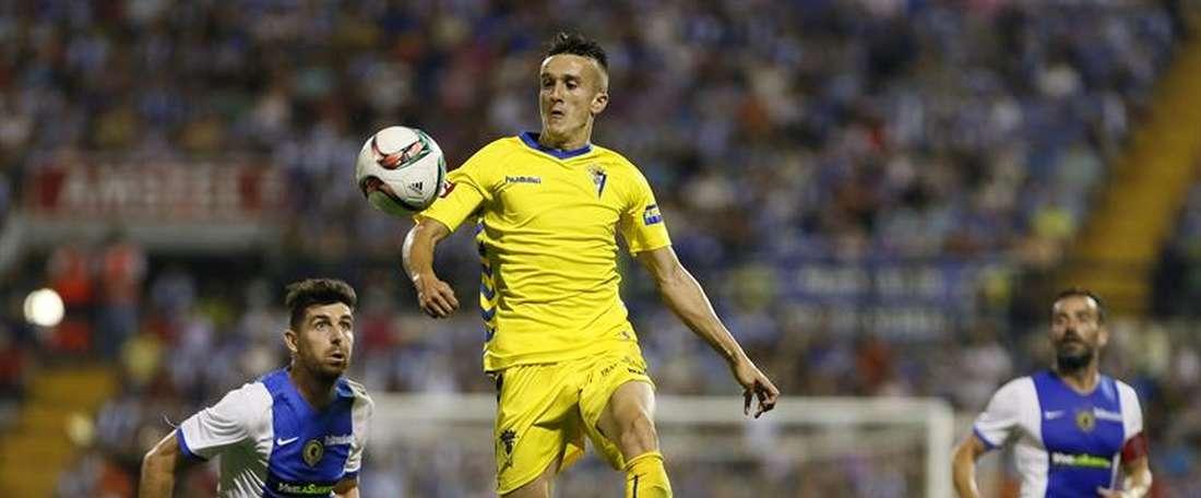 L'attaquant est séduit par les deux clubs. EFE