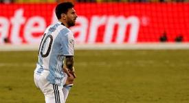 Messi quedó destrozado tras errar el penalti en la final ante Chile. EFE/Archivo