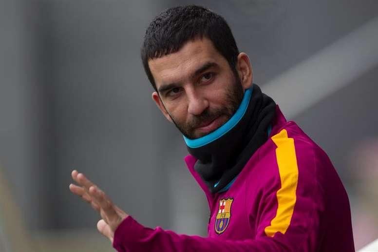 Arda se despidió con esta carta de la afición del Barça. EFE