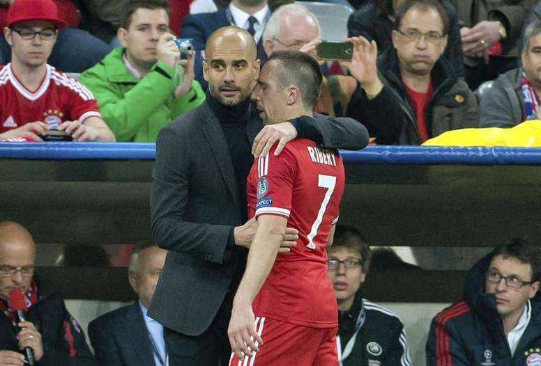Ribery and Guardiola during a match. AFP