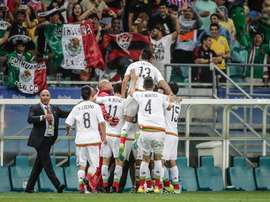 Los jugadores de México celebran un gol ante Alemania durante un partido de los Juegos Olímpicos Río 2016 en Salvador, Brasil. EFE