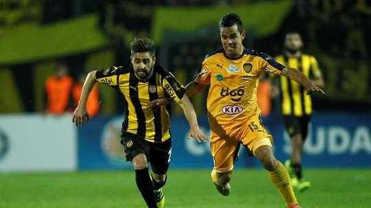 Peñarol perdió 0-2 frente a Defensor Sporting. EFE/Archivo