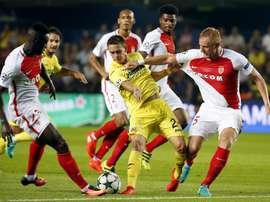 Les joueurs de l'AS Monaco Mendy et Glik lors d'un match du tour préliminaire de la C1. EFE