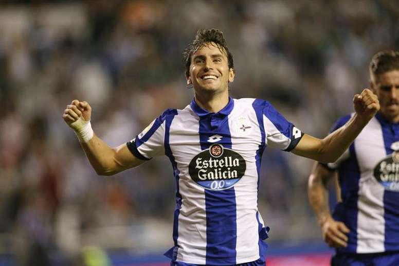 El Deportivo pasó de celebrar el triunfo a lamentar la derrota en pocos minutos. EFE