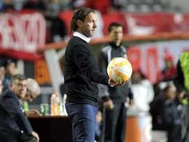 Gabriel Milito tendrá un nuevo jugador en breve por la lesión de Leandro Fernández. EFE/Archivo