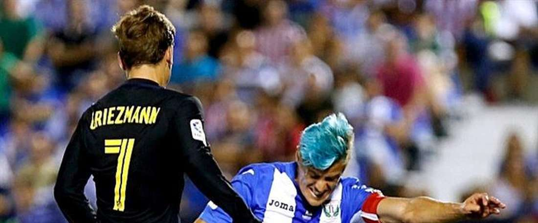 Mantovani playing against Griezmann. AFP