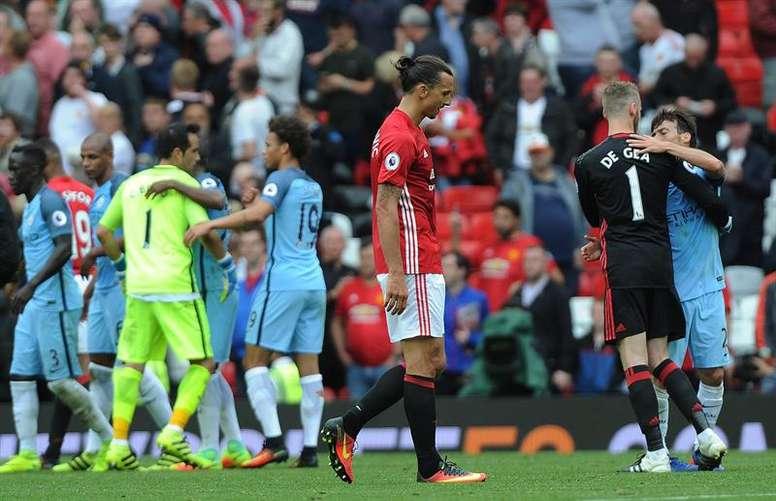 Les deux équipes de Manchester à Old Trafford. EFE/EPA