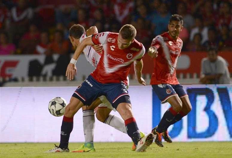 Veracruz no pudo pasar de un 1-1 insuficiente para ambos. EFE