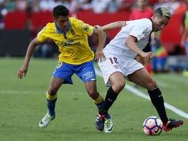 El argentino llega cedido por Las Palmas tras su paso por Osasuna. EFE