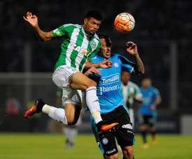 Séville et Villarreal pour le défenseur argentin. EFE