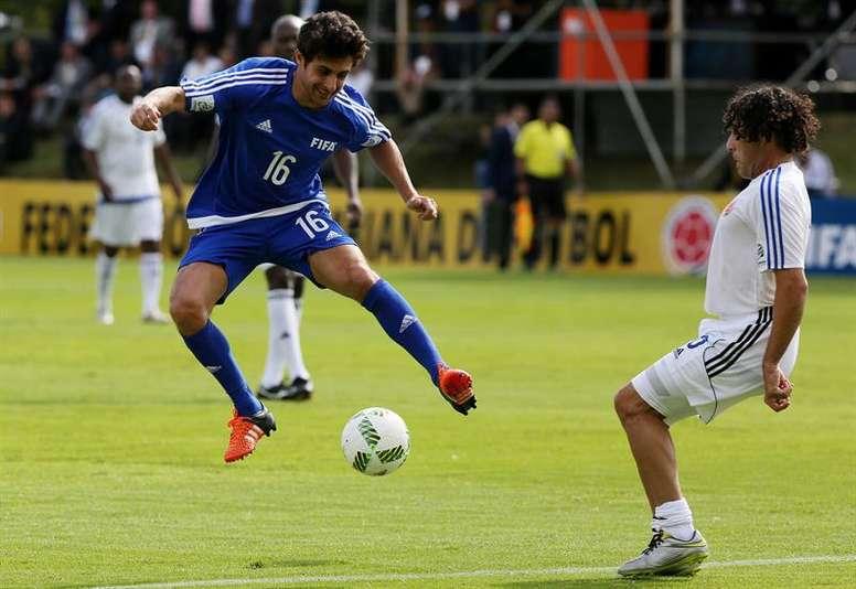 El argentino colgó las botas, pero podría regresar al fútbol. EFE