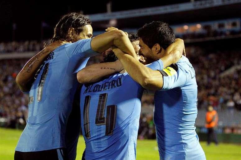 importantísimo triunfo de la selección de Tabárez. EFE