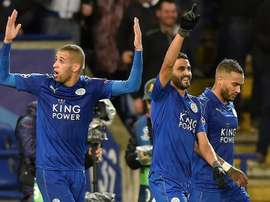 Slimani (left) has been a flop at Leicester. EFE