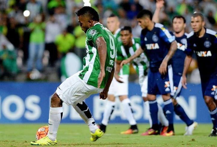Miguel Borja le reclama a Nacional 200.000 euros. EFE