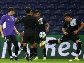 Juanto Ortuño tendrá la difícil tarea de intentar batir a su compatriota Iker Casillas. EFE/Archivo