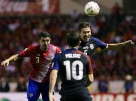 Costa Rica se impuso a Estados Unidos sin demasiados problemas. EFE