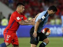 El centrocampista del Besiktas sucede a Bravo como capitán. EFE