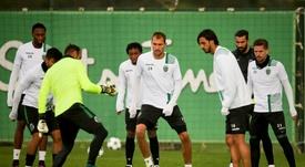 Mais três jogadores rescindiram contrato com o Sporting CP. EFE