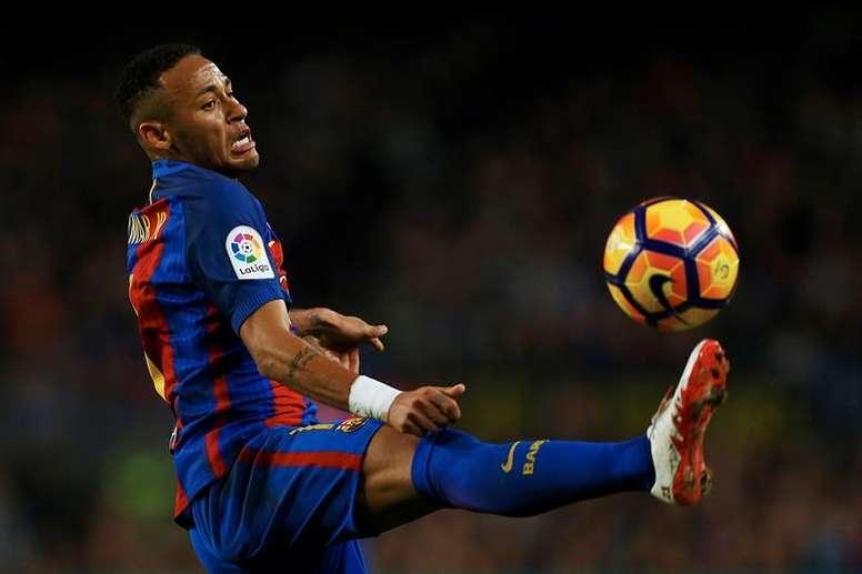 Passe de Neymar para gol de Messi foi a ação mais destacada contra o Real Sociedad. EFE/Archivo