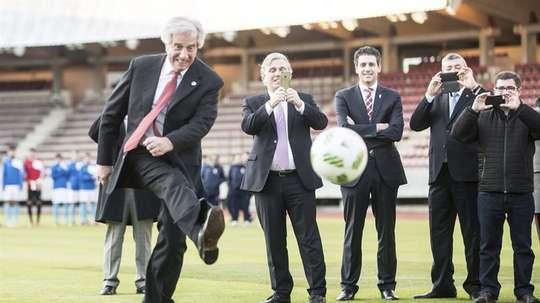 El fútbol uruguayo ha sufrido violentos incidentes esta campaña. EFE