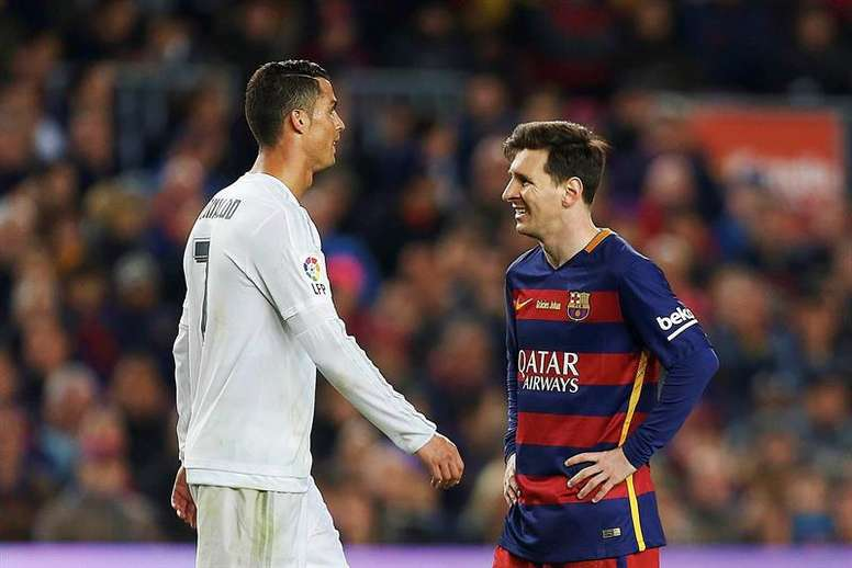 Ronaldo (L) won, as Messi (R) finished in second. EFE