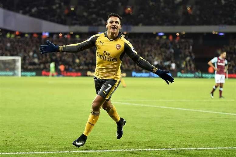 Alexis podría fichar en las próximas horas por el United. EFE/EPA