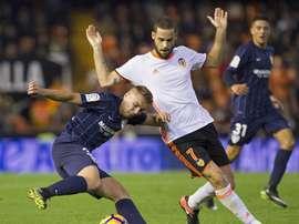 El Málaga y el Valencia tienen al mismo jugador en el punto de mira. EFE