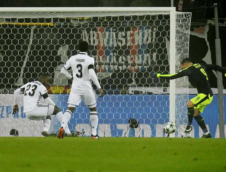Perez scores one of his three goals against Basel. EFE