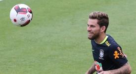 Lucas Lima declines a Barcelona offer. EFE/Archivo