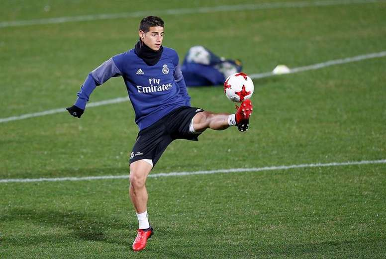 James Rodriguez takes part in training for Real Madrid. EFE/Archivo