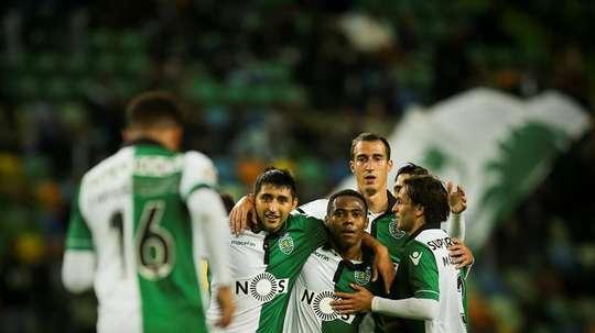 El Sporting se deshizo sin demasiados problemas del Nacional de Madeira.  EFE