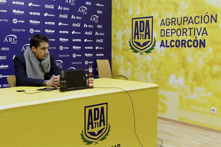El técnico del Alcorcón analizó su próximo encuentro. EFE