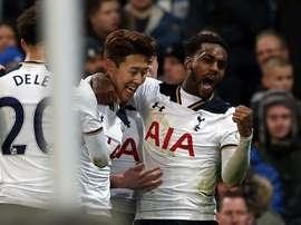 Un tanto de Son en el 97 clasificó al Tottenham. EFE