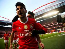 O Benfica está obrigado a ganhar para pressionar o FC Porto. EFE