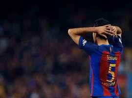 El centrocampista fue el encargado de arropar a los canteranos en su viaje a Málaga. EFE