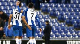 Marc Navarro, a la izquierda, podría regresar a la Liga. EFE