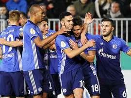 El Schalke aseguró el pase a la siguiente ronda de la Copa Alemana. EFE
