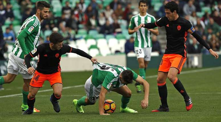 Le Betis annonce le départ d'Álex Alegría. EFE