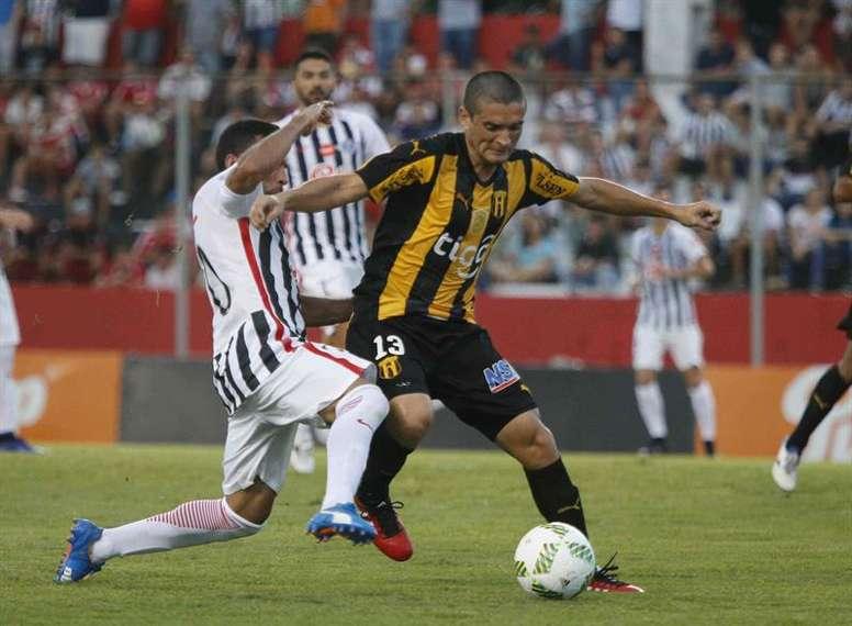 Guaraní es líder del torneo paraguayo. EFE