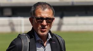 El seleccionador destacó la importancia de Chicharito pero no confirmó su titularidad. EFE