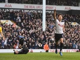 Heung-Min Son lidera la goleada del Tottenham hacia las semifinales. EFE/EPA
